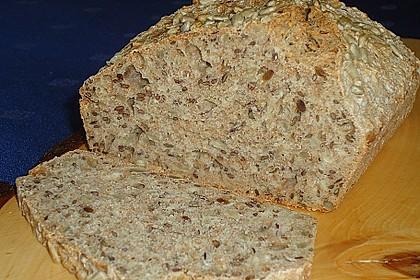 Schnelles Dinkel - Buchweizen - Brot 39