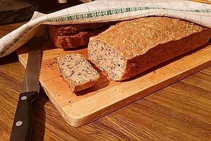 Schnelles Dinkel - Buchweizen - Brot 32