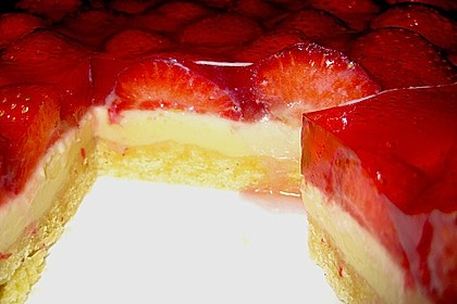 Weißer Schokokuchen mit Erdbeeren 15