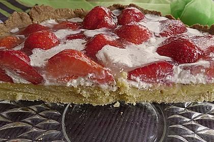 Weißer Schokokuchen mit Erdbeeren 11