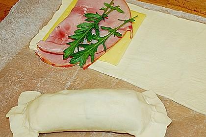 Gefüllter Blätterteig mit Schinken und Käse 1