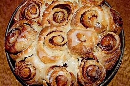 Zimtrollen-Kuchen 197