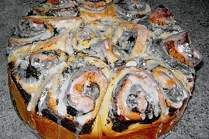 Zimtrollen-Kuchen 196