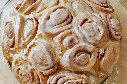 Zimtrollen-Kuchen 234