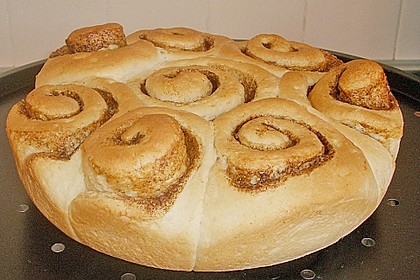 Zimtrollen-Kuchen 247