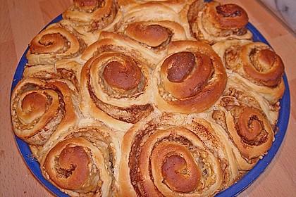 Zimtrollen-Kuchen 169