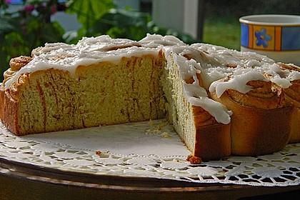 Zimtrollen-Kuchen 160