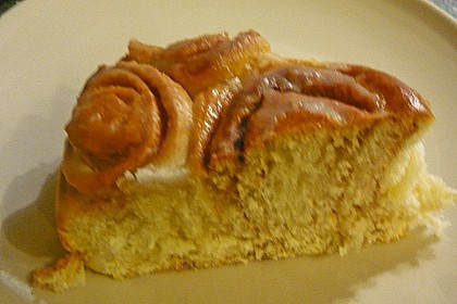 Zimtrollen-Kuchen 381