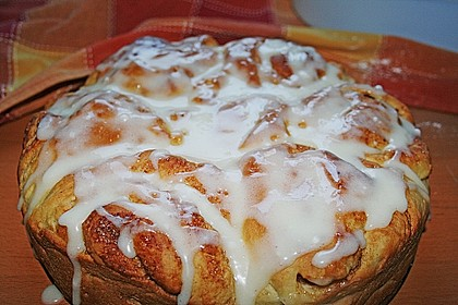 Zimtrollen-Kuchen 158