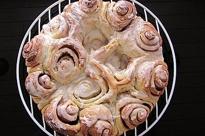 Zimtrollen-Kuchen 166