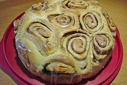 Zimtrollen-Kuchen 184