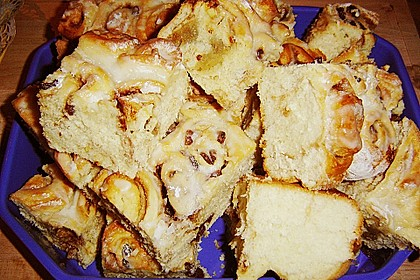Zimtrollen-Kuchen 379