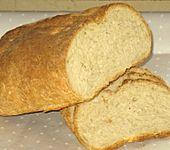 Hausgebackenes Brot (Bild)