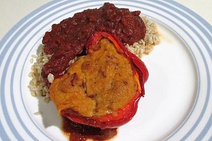 Paprika mit Kichererbsenmus gefüllt 1