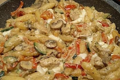 Schupfnudelpfanne mit Gemüse und Mozzarella 1