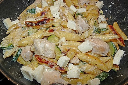 Schupfnudelpfanne mit Gemüse und Mozzarella 49