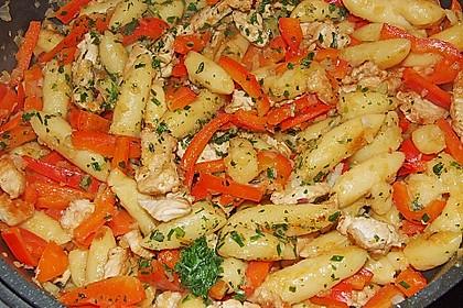 Schupfnudelpfanne mit Gemüse und Mozzarella 37