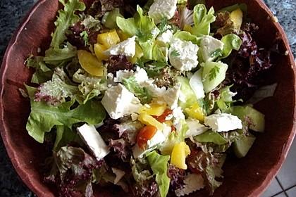 Bunter Salat mit Schafskäse 1