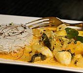Rotes Thai - Fischcurry mit Mango und Ananas (Bild)