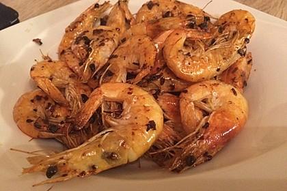 Garnelen mit Knoblauch, Öl und Chilisauce 5