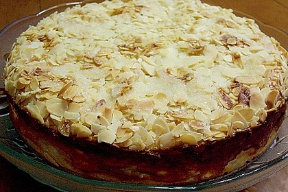 Apfel - Rahmkuchen mit Mandelkuste 4
