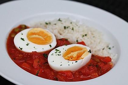 Baskische Eier in Gemüsesoße 3
