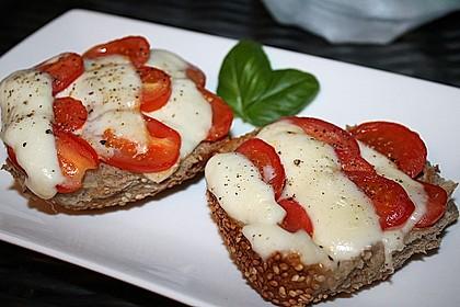Tomate - Mozarella Brötchen 2