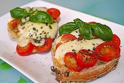 Tomate - Mozarella Brötchen 1