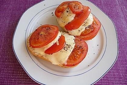Tomate - Mozarella Brötchen 6