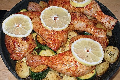 Spanische Hähnchenpfanne mit Kartoffeln und Zucchini 3