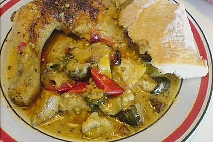 Spanische Hähnchenpfanne mit Kartoffeln und Zucchini 11