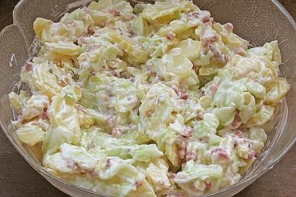 Frischer Kartoffelsalat mit Speck und Gurke