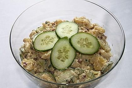 Frischer Kartoffelsalat mit Speck und Gurke 2