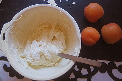 Aprikosenknödel 3