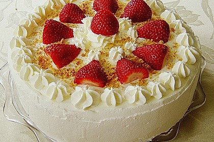 Gewickelte Erdbeer - Tiramisu - Torte 5