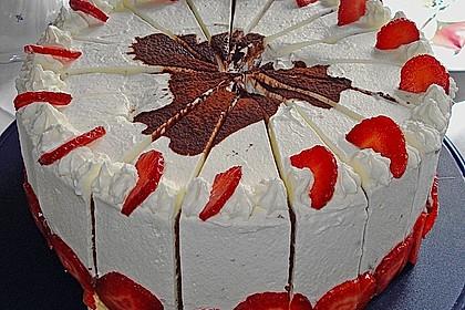 Gewickelte Erdbeer - Tiramisu - Torte 3