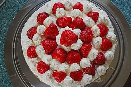 Gewickelte Erdbeer - Tiramisu - Torte 11