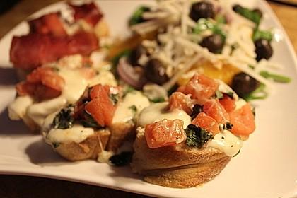 Crostini mit Tomaten und Mozzarella 3