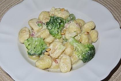 Brokkoli - Nudeln mit Käsesoße (Bild)