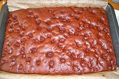 Saftiger Schoko - Kirschkuchen 7