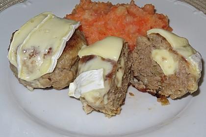 Gefüllte Frikadellen mit Kartoffel-Möhrenpüree (Bild)
