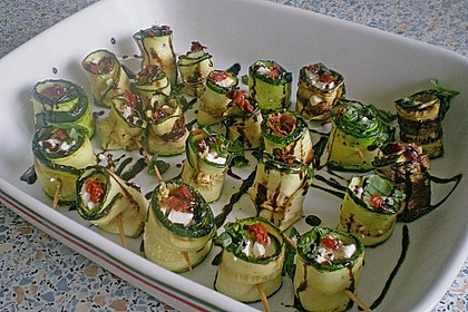 Eingelegte Zucchiniröllchen 58