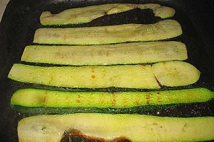 Eingelegte Zucchiniröllchen 86