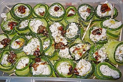 Eingelegte Zucchiniröllchen 70