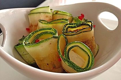 Eingelegte Zucchiniröllchen 23