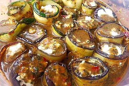Eingelegte Zucchiniröllchen 81