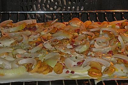 Blätterteig - Pizza mit Sauerrahm 4