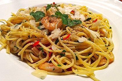 Spaghettini aglio, olio e peperoncino (Bild)
