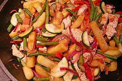 Schnitzelpfanne mit Gemüse