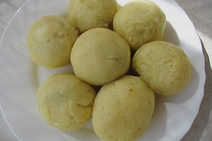 Pflaumenknödel aus Kartoffelteig 3